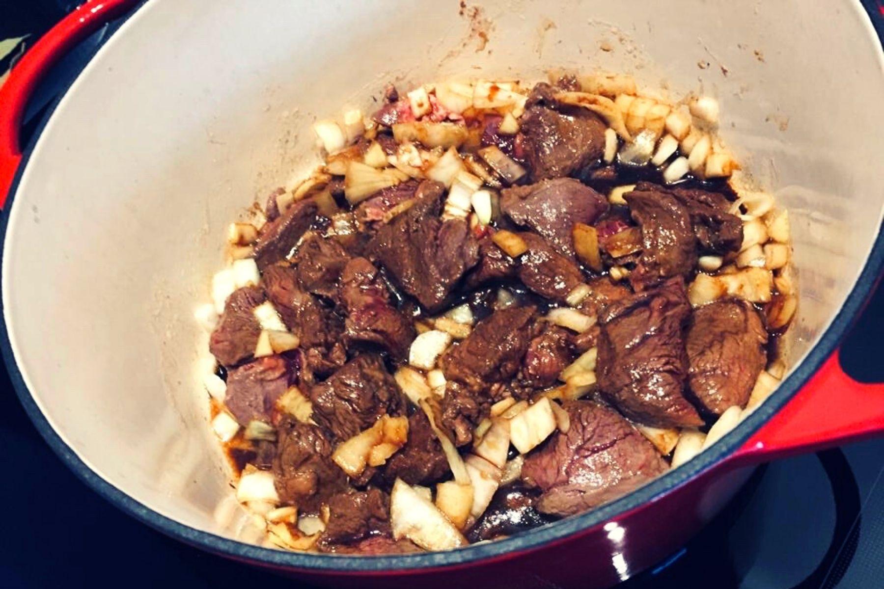 Glutenvrije hachee met hertenvlees